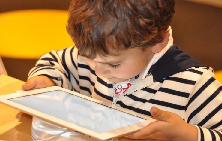 Menores e internet: ¿cómo protegerlos?